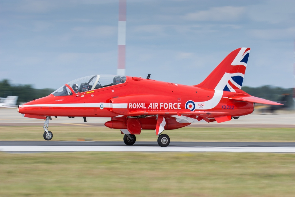 RAF Red Arrows BAE Hawk Landing - RIAT 2015