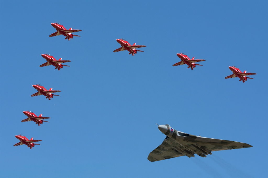 RAF Red Arrows & Vulcan XH558